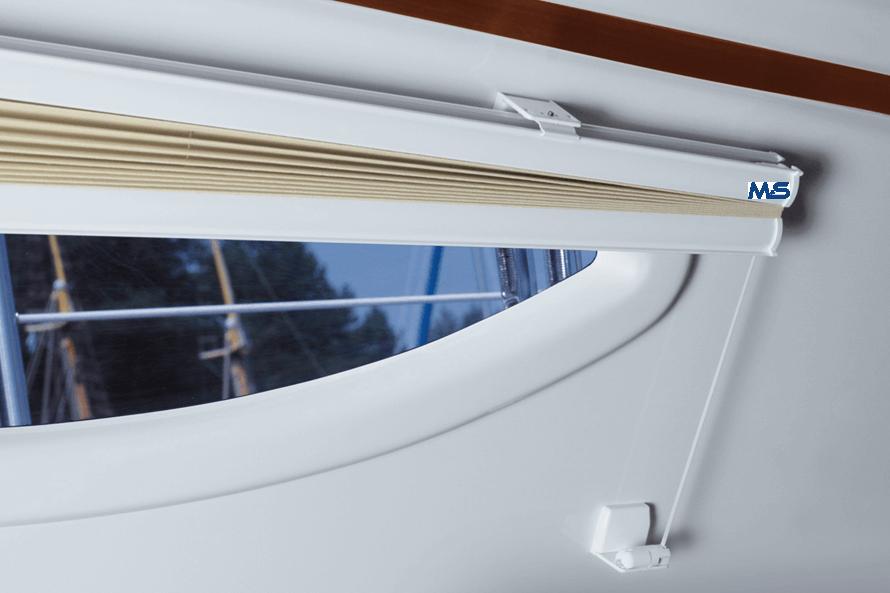 yachtfenster bootsfenster plissee jalousie faltrollo pleated shade verdunklung m s bauelemente. Black Bedroom Furniture Sets. Home Design Ideas